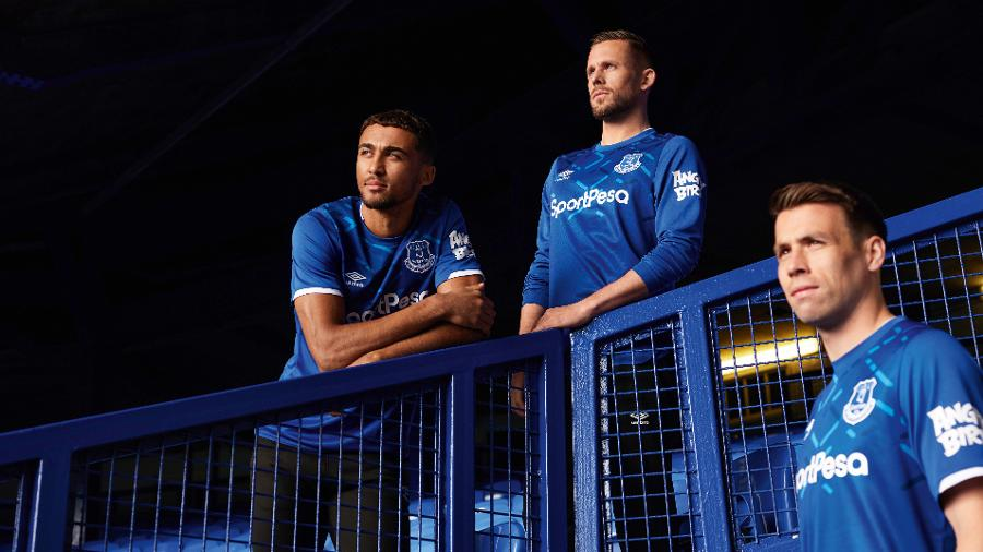 the best attitude 219c1 5166d Everton Unveils New Goodison-Inspired 2019-20 Home Kit